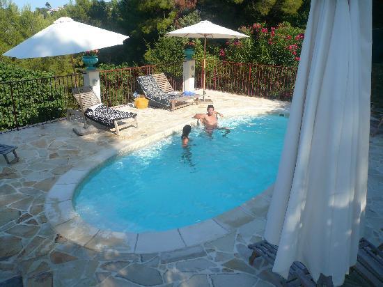 Golfe-Juan Vallauris, Francia: piscine de Port d'Attache