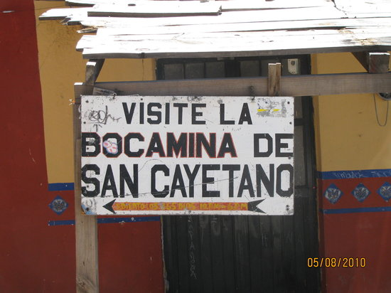 Bocamina SanCayetano: outside the front of the Templo