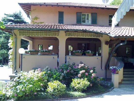 Hotel Terzo Crotto : The open air restauramt