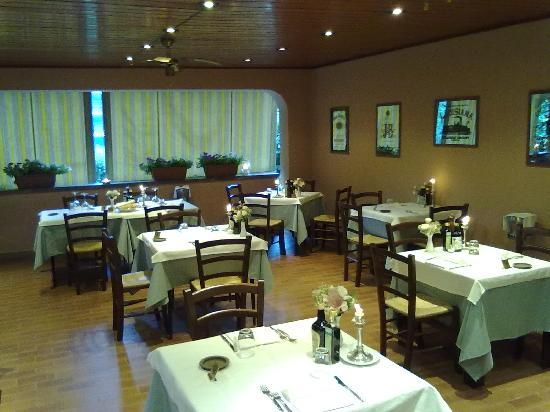 Hotel Terzo Crotto : The restaurant with the blinds down