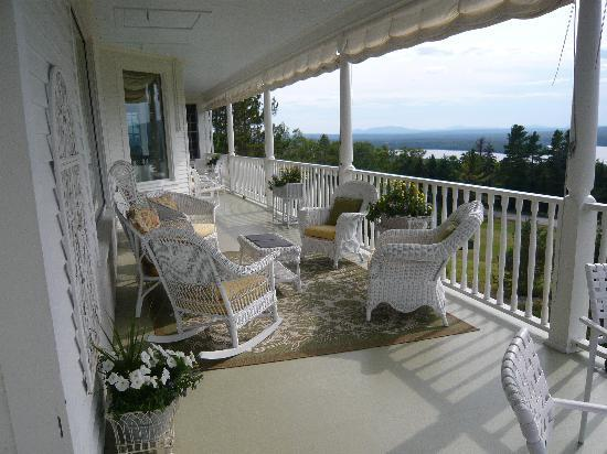 Blair Hill Inn: The porch