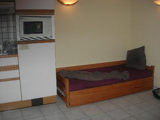 Le Domaine du Mas Blanc: canapé lit gigogne