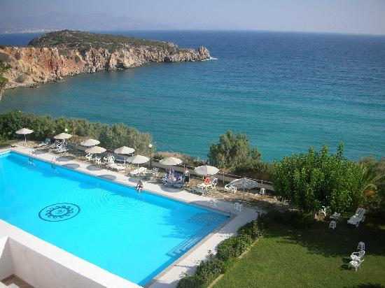 Istron, Greece: la piscine de jour