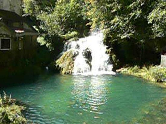 Castel Damandre: encore la cascade du Moulin !
