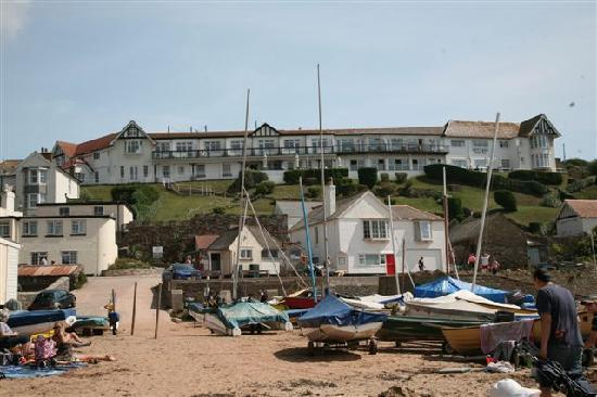 Hope Cove, UK: view of the Cottage Hotel from the beach
