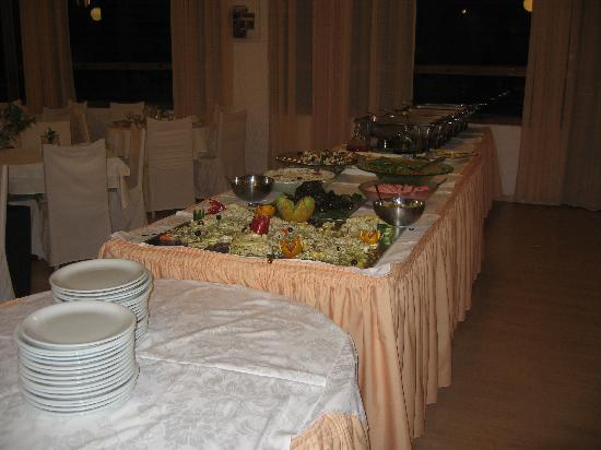 Anavyssos, Greece: dinner buffet