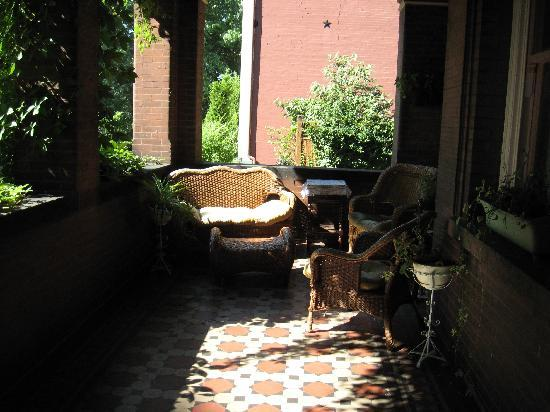Lehmann House Bed & Breakfast: Lehmann House - inviting front porch