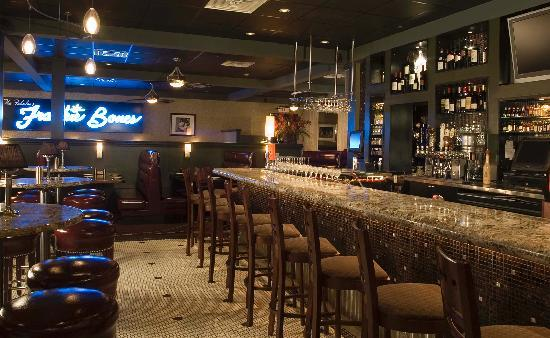 Frankie Bones Restaurant and Lounge: The Martini Bar
