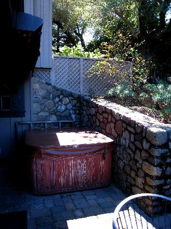 Wine Country Inn U0026 Cottages: Private Hot Tub W/ Retractable Awning On Patio  Of