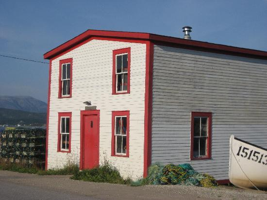 Seaside Suites Gros Morne Newfoundland: old fishing warehouse in downtown