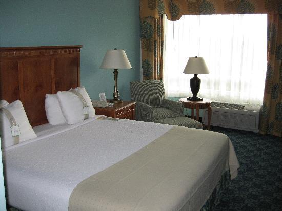 Holiday Inn Winter Haven: King Bed