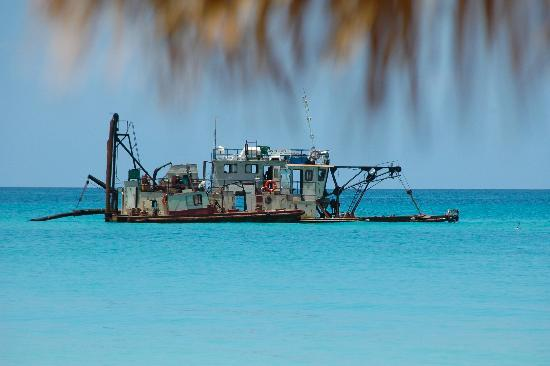 Iberostar Varadero: The boat used to bring sand back to the beach
