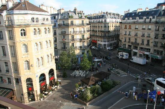 Novotel Paris Les Halles : View from hotel room balcony