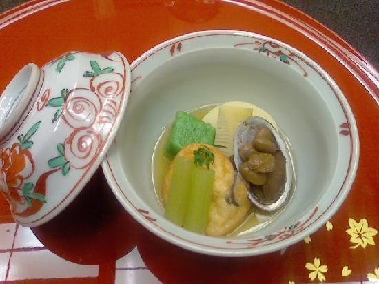 Sakuraya: 炊合せ:蓬麩、蕗、筍、小蚫の炊き物