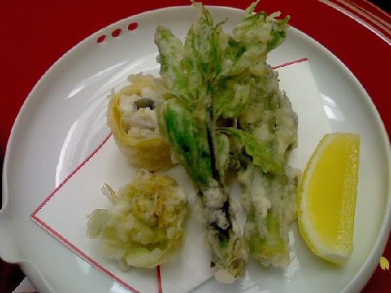 Sakuraya: 揚物: 山里新緑(蕗薹、楤の芽)