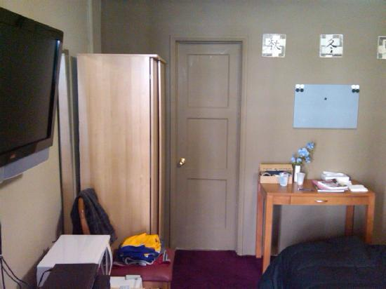 Jerry's Motel: Good amenities~
