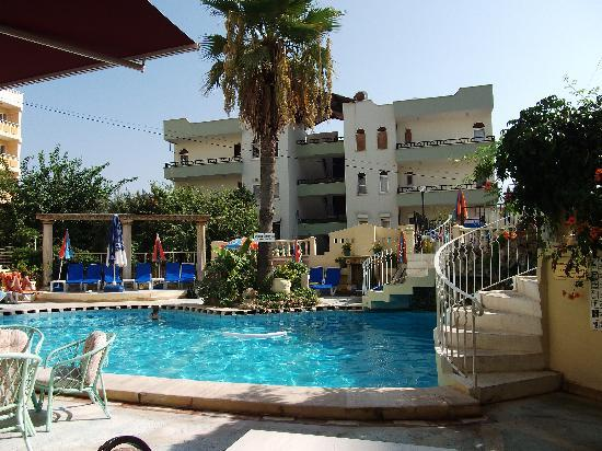Serenad Hotel : the pool