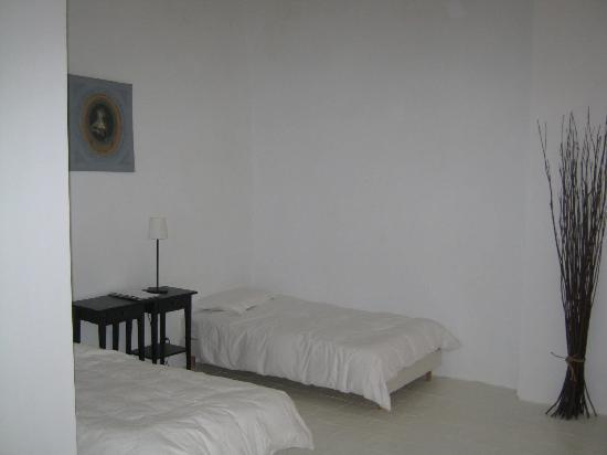 Maison Allene Bed and Breakfast : One of the bedrooms
