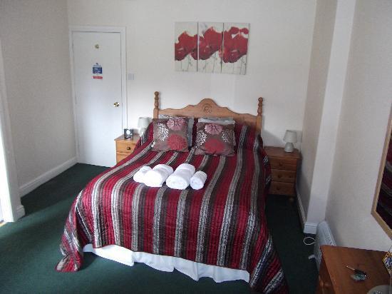 Haworth Old Hall Inn: The room 1