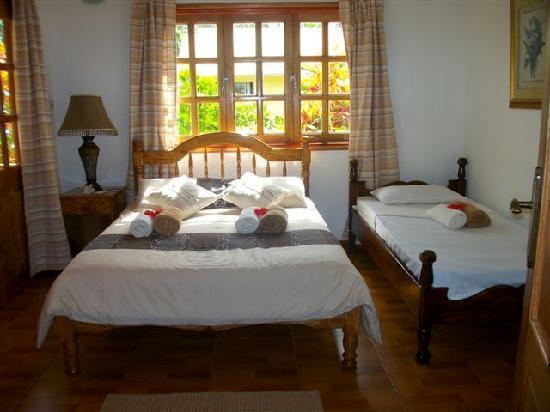 Habitacion doble con cama para ni a fotograf a de casa de for Cama doble nina