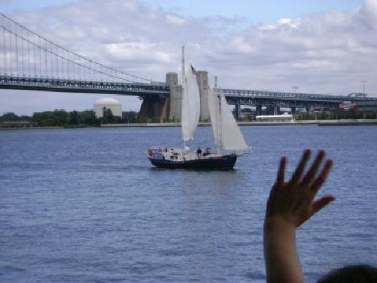 American Sailing Tours: friendly waves from the ferry to the sailors