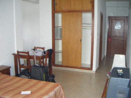 Studiotel afoud : Chambre vue du balcon