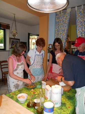 Перуджа, Италия: Stefania so patient with her students!