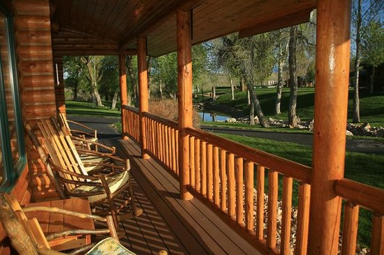 The Hideout Lodge & Guest Ranch: Cabin Porches