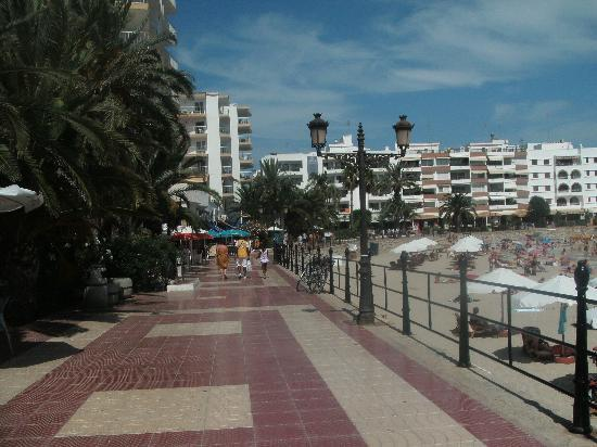 Hotel Riomar: The promenade
