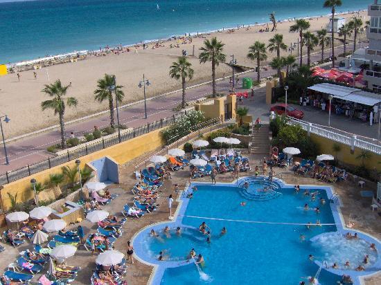 Piscina fotograf a de gran hotel pe scola pe scola for Hoteles en valencia con piscina