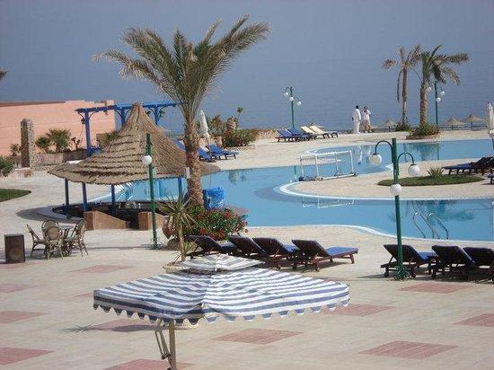 Paradise Beach Resort: Piscina principale