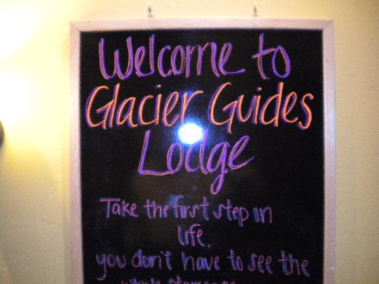 Glacier Guides Lodge : Sign in dining room