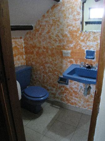 The Cranky Croc Hostel: Decent private bathroom