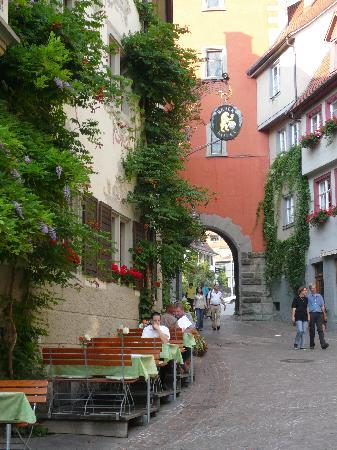 Gasthof zum Bären: Hotel is in the main street of town