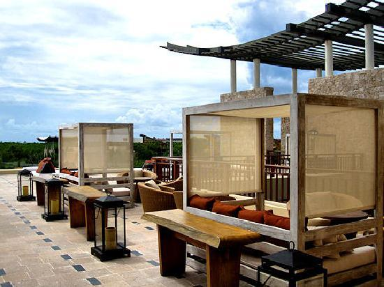 Banyan Tree Mayakoba: The roof top lounge
