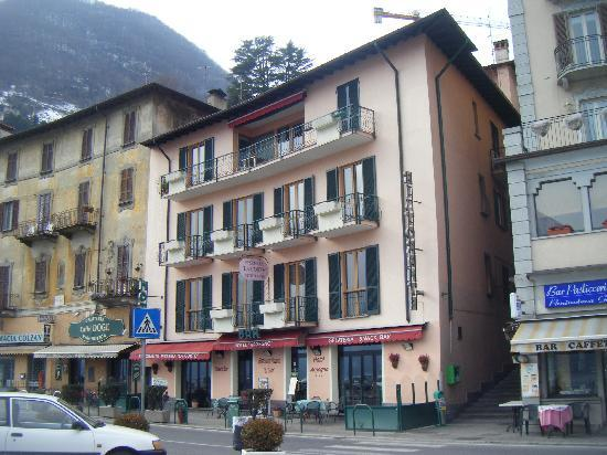 Hotel Argegno: view of hotel