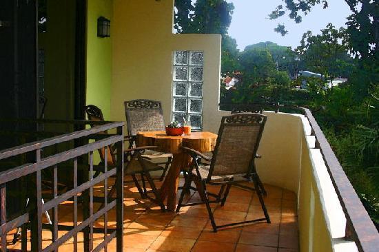 Pura Vida Hotel: On the Volcano Studio Deck