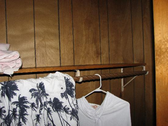 Alpine Resort & Golf: Out dated wood paneling