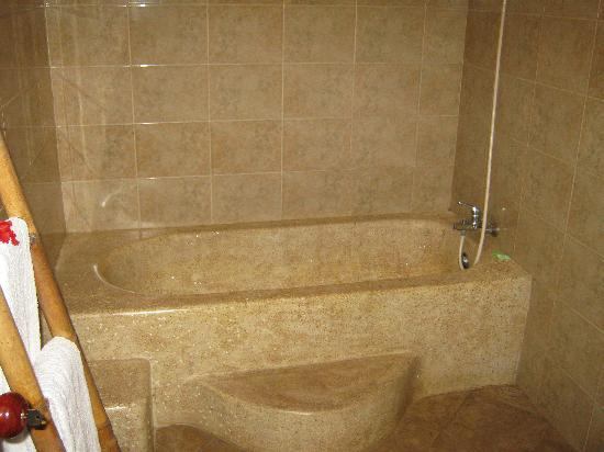Ubud Bungalow: Bathroom