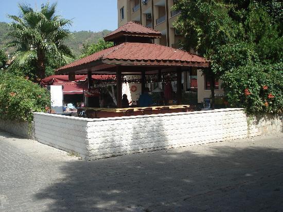 Hotel Juniper: juniper bar