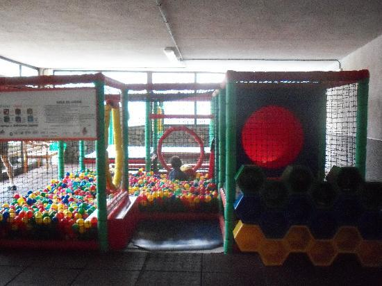 Gran Hotel Turquesa Playa: piscina de bolas