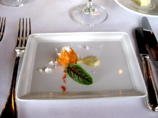 Sky Room Restaurant: appetizer of Chef's 5-Course Menu