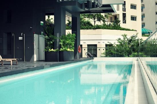 View of the swimming pool picture of studio m hotel singapore tripadvisor - Studio m ...