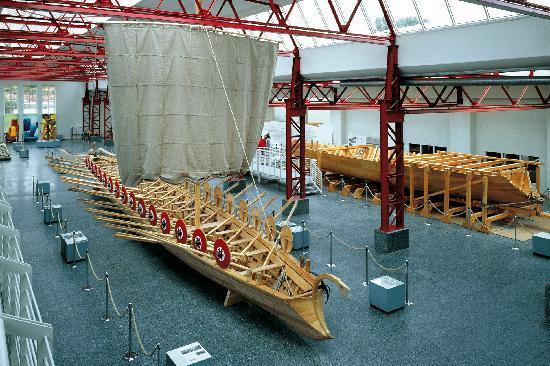 Walking Mainz : Museum of Ancient Ships