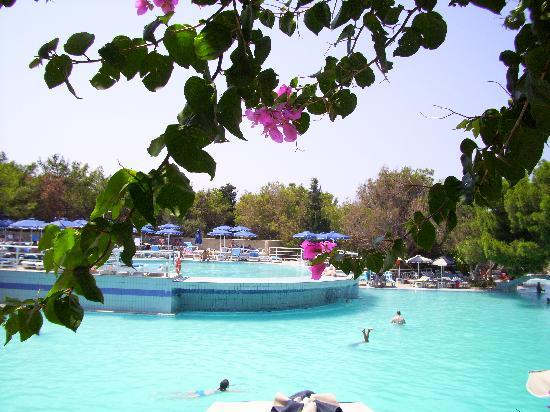 Kalithea Mare Palace: piscine kalithéa mare près de la réception