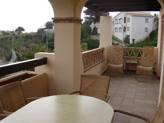 CLC San Diego Suites: Balcony at another apartment