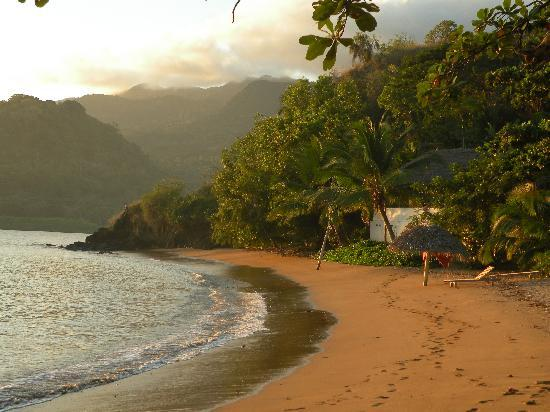 Moheli, Comoren: Laka Lodge's private beach