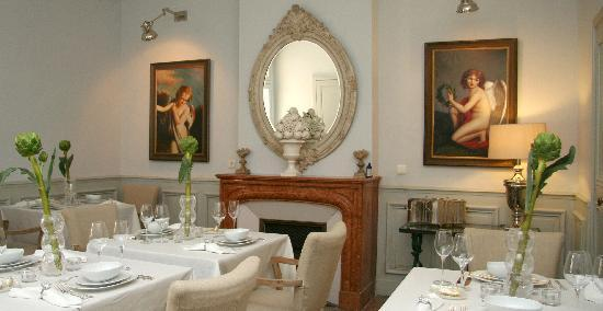 15 Grand Rue: Dining Room