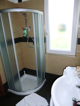 Wellness Hotel Casa Barca: Suite Bad Dusche