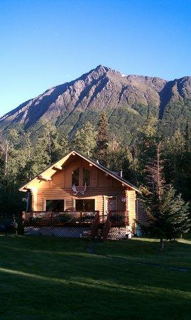 Alaska Heavenly Lodge : Mt. Cecil Cabin - Shot w camera phone